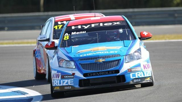 WTCC - Menu claims third successive pole in Shanghai