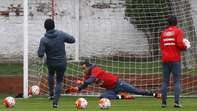 Chile's goalkeeper Bravo participates in a team training session ahead of their 2018 World Cup qualifying match against Brazil this Thursday in Santiago
