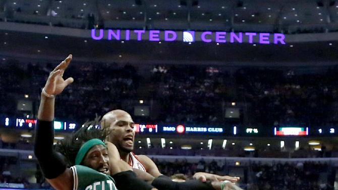Noah leads Bulls to 94-82 win over Celtics