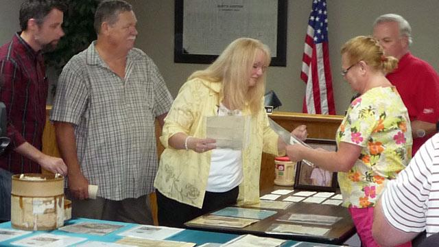 250 WWII Letters Found in Hatbox Returned to Soldier's Family