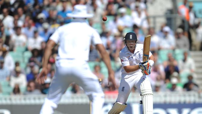 England's Ian Bell, right, remains at the crease with Matt Prior as England attempt to avoid defeat to South Africa