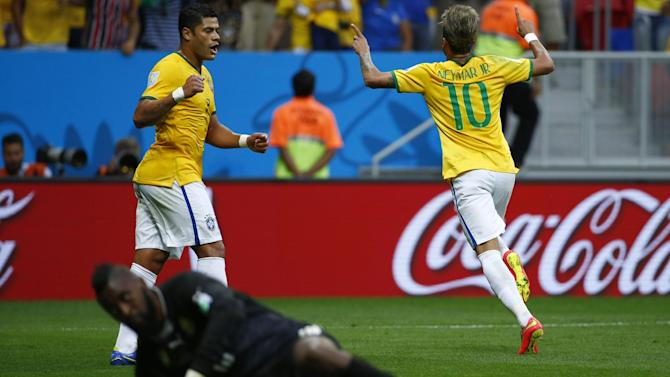 World Cup - Clinical Brazil thrash Cameroon to top group