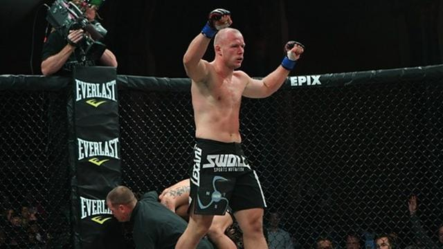 Mixed Martial Arts - Bellator middleweight champ signs long-term contract extension