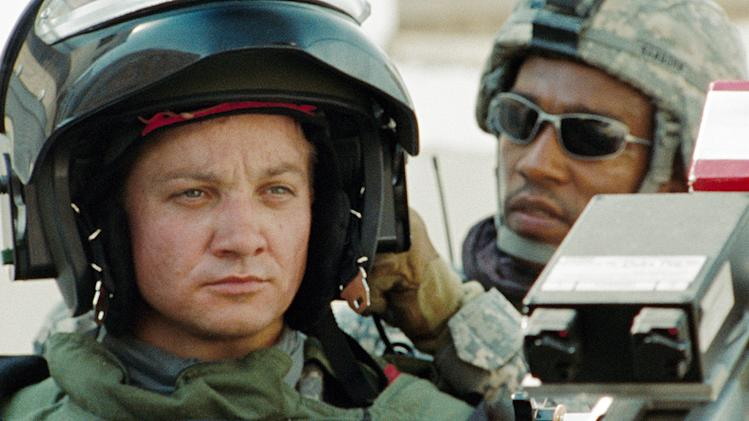 The Hurt Locker Production Photos Summit Entertainment 2009 Jeremy Renner Anthony Mackie