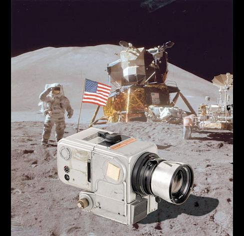 A Hasselblad camera described as the one used on the moon by Apollo 15 astronaut Jim Irwin was auctioned March 22, 2014 by the WestLicht Gallery in Austria for almost $1 million.