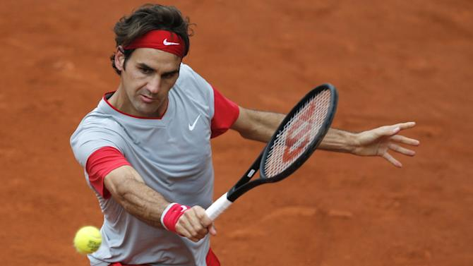 French Open - Federer sets record en route to fourth round