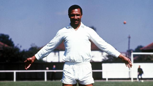 European Football - Benfica legend Coluna dies one month after Eusebio