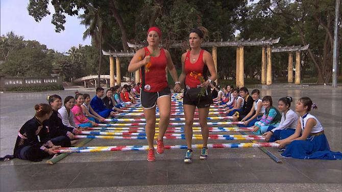 """The Amazing Race"" -- ""Your Tan Is Totally Cool"""