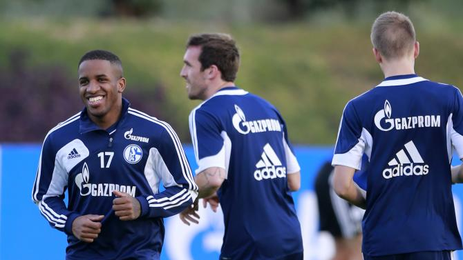 Schalke 04's Jefferson Farfan attends a training session at the Aspire Academy of Sports Excellence in Doha