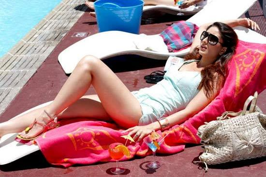 The hottest bikini babes in Bollywood