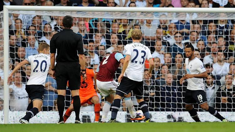 Soccer - Barclays Premier League - Tottenham Hotspur v West Ham United - White Hart Lane