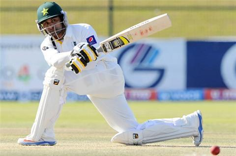 Pakistan survive last day to draw 1st Test