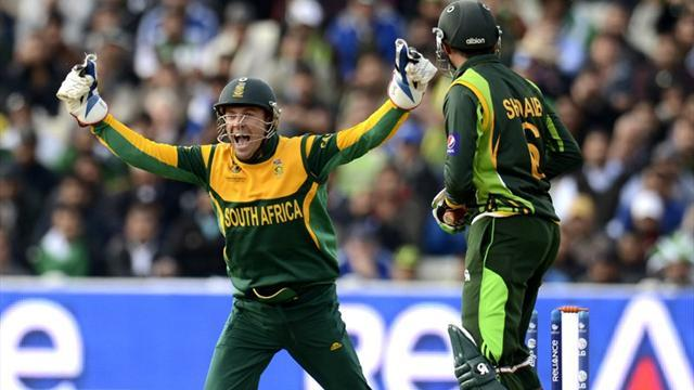 Cricket - South Africa cruise past Pakistan