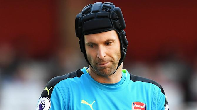 Cech offers to help Mason with his recovery after fractured skull surgery