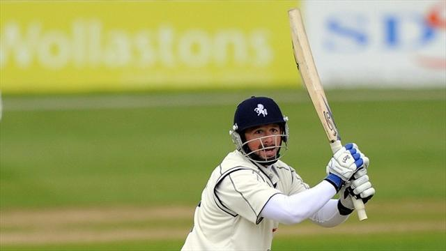 Cricket - Kent pile on the runs