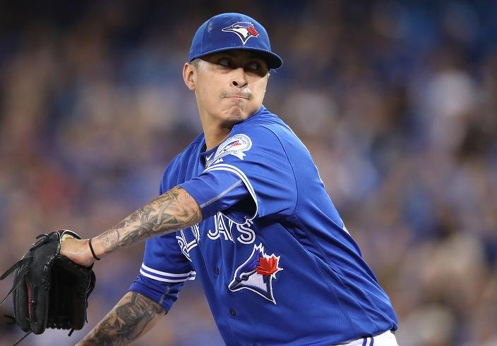 Veteran Jesse Chavez pitched for the Blue Jays and Dodgers in 2016. (Getty Images)