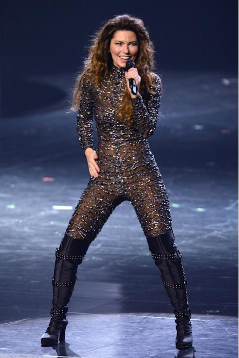 Shania Twain stuns crowd in Las Vegas