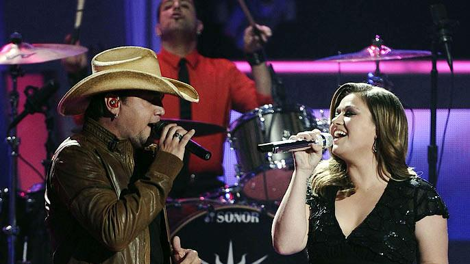"Jason Aldean and Kelly Clarkson perform ""Don't You Wanna Stay"" on ""American Idol."""