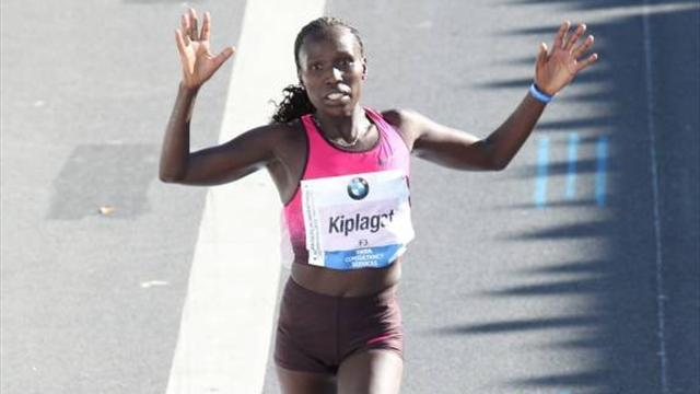 Athletics - Kiplagat smashes women's half marathon world record