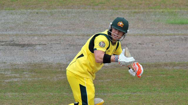Cricket - Warner fights Aussie corner