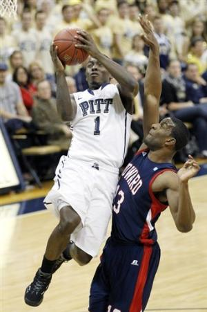 Patterson leads Pittsburgh past Howard, 70-46