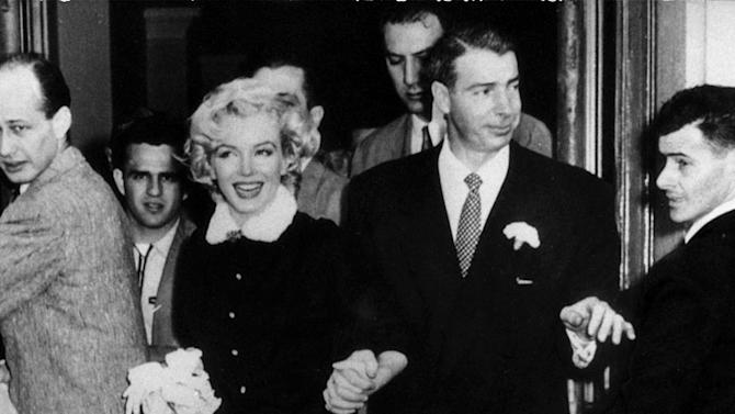 Marylin Monroe and Joe DiMaggio