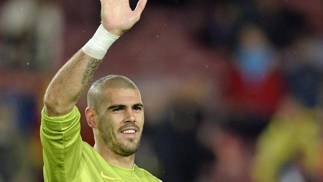 Ligue 1 - Valdes hints at Monaco move