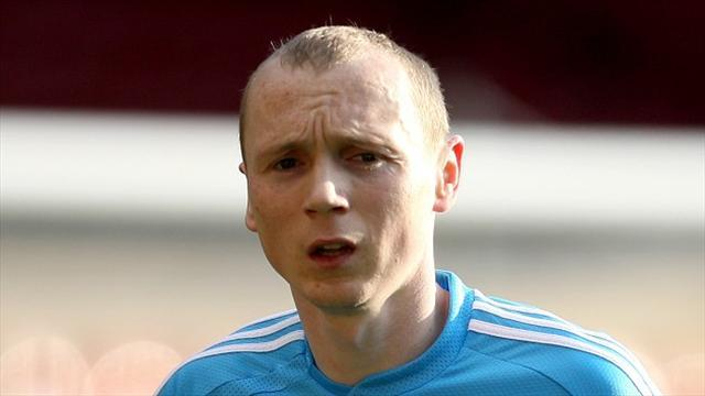 Scottish Football - Flood wins it for Aberdeen on debut