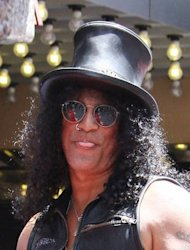 Slash joins Charlie Sheen in Anger Management