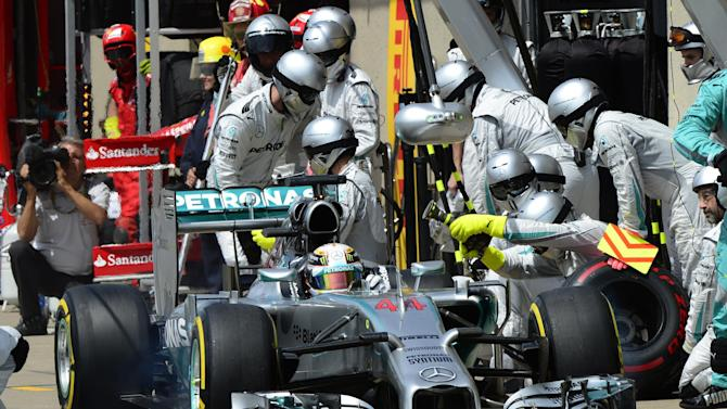 Formula 1 - F1 refuelling return depends on cost, says Toto Wolff