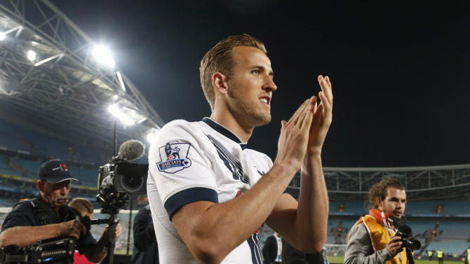 SOC: Tottenham's Harry Kane applauds fans after game