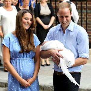 Kate Middleton, Prince William, Baby Prince Leave Kensington Palace After First Night Home
