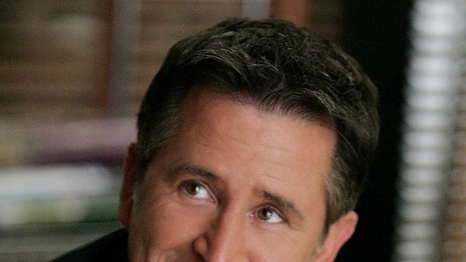 Anthony LaPaglia stars as Sr. Agent Jack Malone in Without A Trace on CBS.