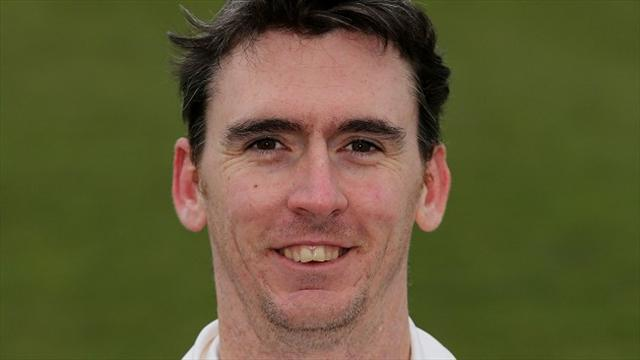 Cricket - Magoffin agrees Sussex deal
