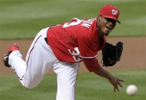 Jackson's complete game helps Nats beat Reds 4-1