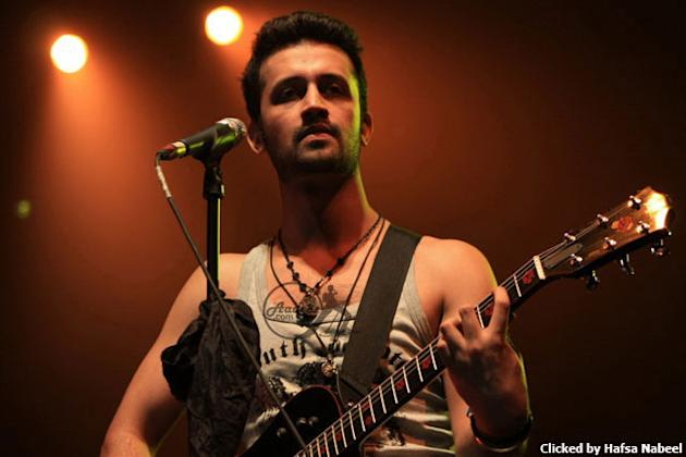 Atif Aslam performs at his concert in Toronto, Canada. Source: Atif Aslam Official www.aadeez.com