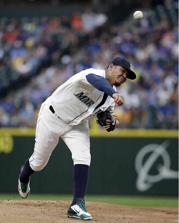 Hernandez wins 12th as Mariners knock off Blue Jays 5-2