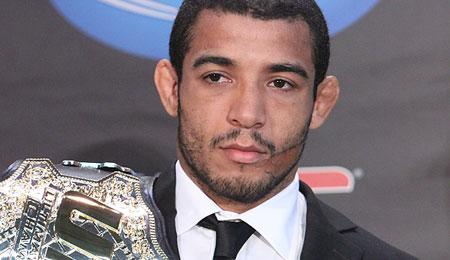 UFC Champion Jose Aldo Confirmed to Have Fractured Foot in UFC 163 Title Defense