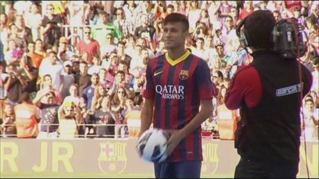 Liga - Neymar presentation draws 56,500 fans