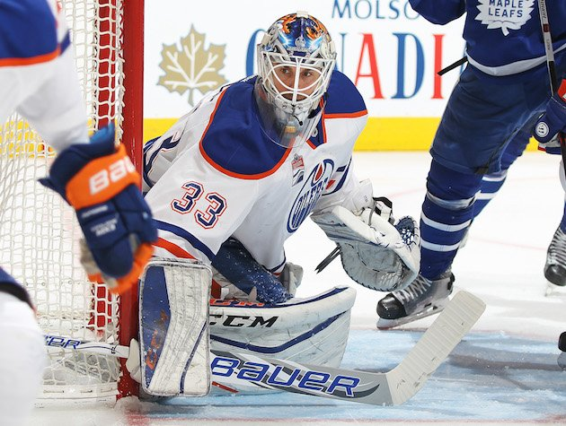 TORONTO, ON - NOVEMBER 1: Cam Talbot #33 of the Edmonton Oilers watches for a puck against the Toronto Maple Leafs during an NHL game at the Air Canada Centre on November 1, 2016 in Toronto, Ontario, Canada. The Leafs defeated the Oilers 3-2 in overtime. (Photo by Claus Andersen/Getty Images)