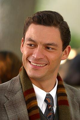 Dominic West in Revolution's Mona Lisa Smile