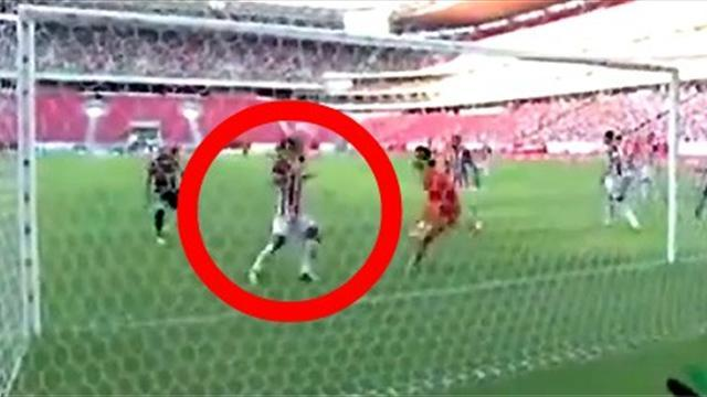 South American Football - What on EARTH was this player thinking with 'second-chance' own goal?