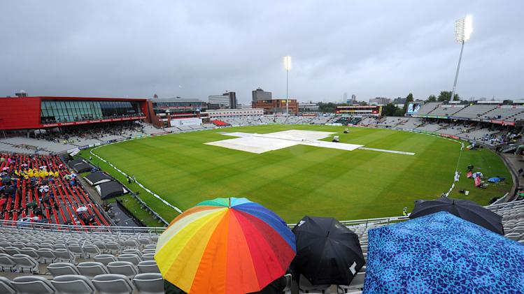 Cricket - Third Investec Ashes Test - Day Five - England v Australia - Old Trafford