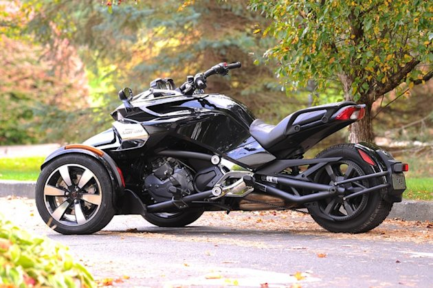 2015-Can-Am-Spyder-F3-11