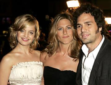 Premiere: Mena Suvari, Jennifer Aniston and Mark Ruffalo at the LA premiere of Warner Bros.' Rumor Has It... - 12/15/2005