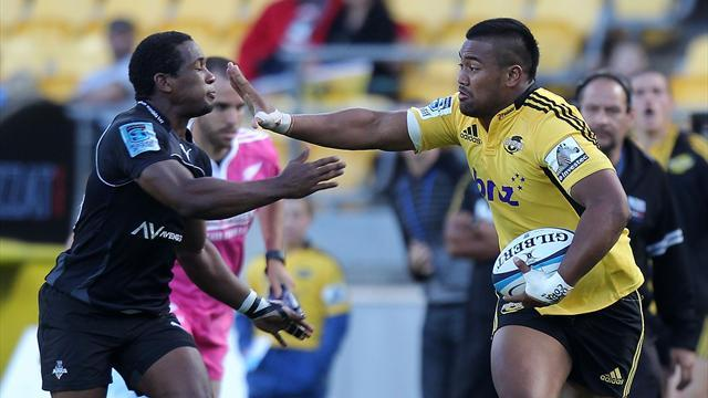 Super Rugby - Savea show helps Hurricanes down Waratahs