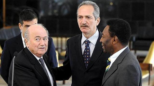 World Cup - Brazil's Sports minister to resign before World Cup