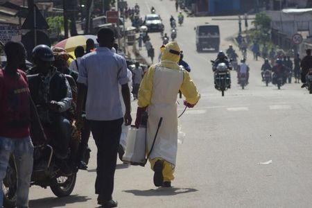 Senegal reopens land border with Ebola-hit Guinea