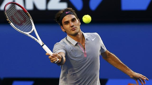 Australian Open - Federer eases into third round
