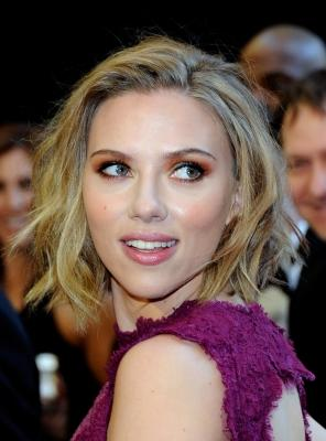 Scarlett Johansson on the red carpet at the 2011 Oscars  -- Getty Images